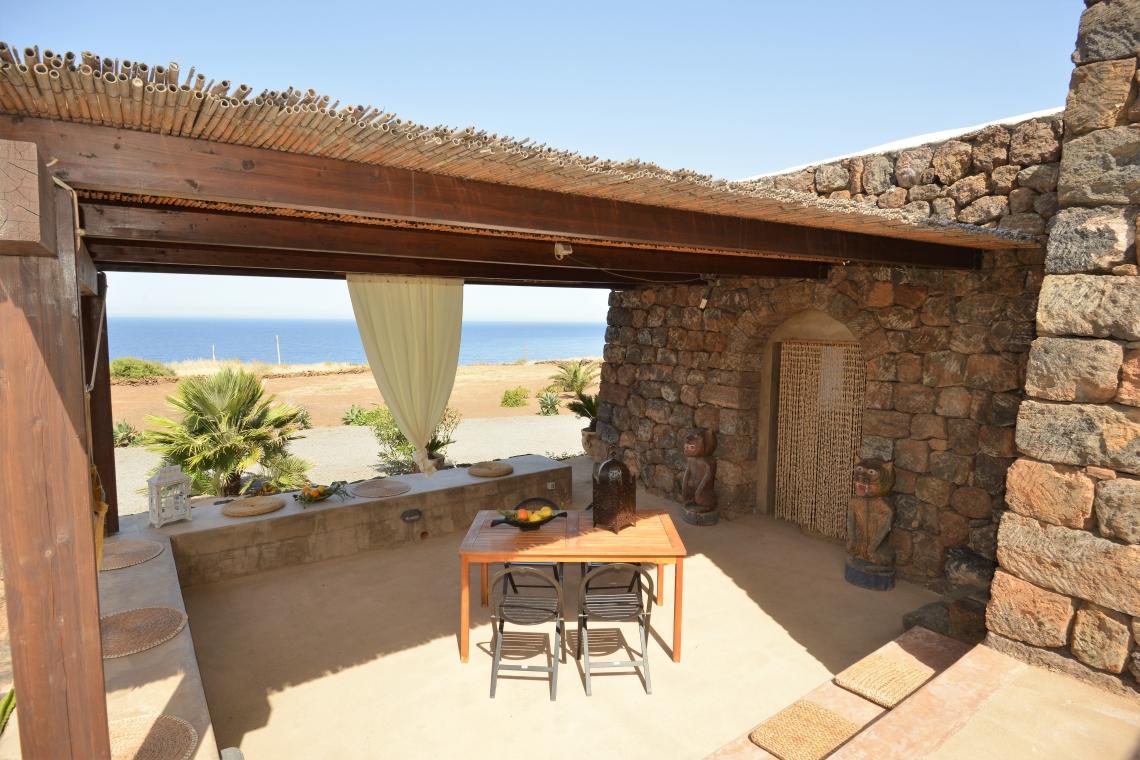 Case Di Pietra Pantelleria : Cos è il dammuso di pantelleria u la cossira pantelleria